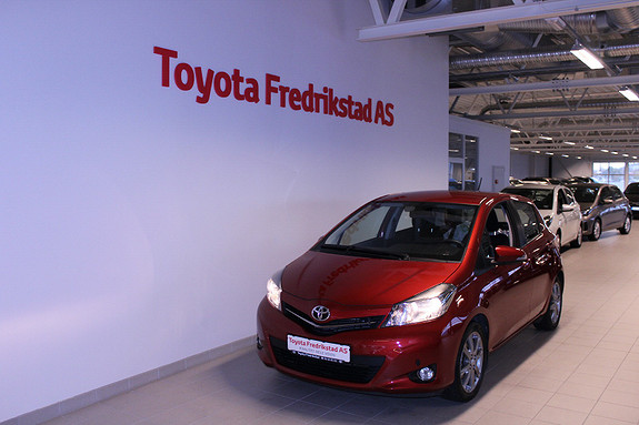 Toyota Yaris 1,33 Style  2012, 23377 km, kr 139000,-
