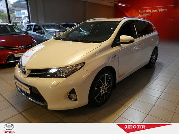 Toyota Auris Touring Sports 1,8 Hybrid Active+ M. Bi-Xenon og DAB+  2014, 38100 km, kr 239000,-