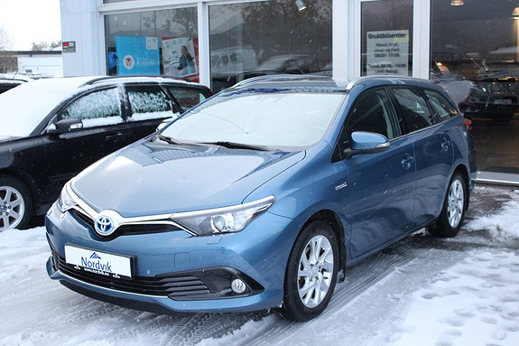 Toyota Auris 1,8 Hybrid E-CVT Active  2016, 9 km, kr 269000,-