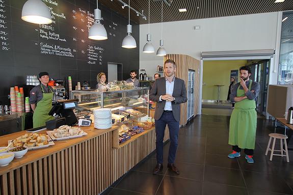 Café/kantine i byggets første etg.