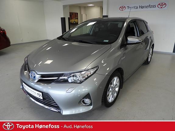 Toyota Auris 1,8 Hybrid E-CVT Executive ,Delskinn, Panoramatak,  2014, 74700 km, kr 209000,-