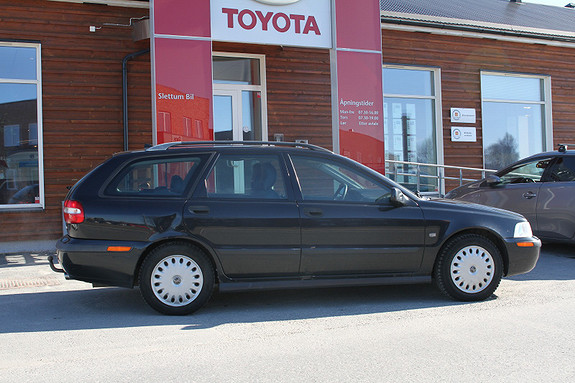 Volvo V40 1,8  2001, 228571 km, kr 29000,-