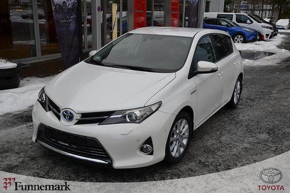 Toyota Auris 1,8 Hybrid E-CVT Executive  2014, 26400 km, kr 219000,-