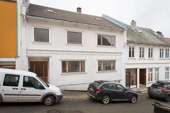 2 manns bolig i Farsund sentrum,  inkl. 1 garasjeplass i garasjeanlegg.