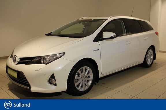 Toyota Auris Touring Sports 1,8 Hybrid Executive /Krok/Velholdt