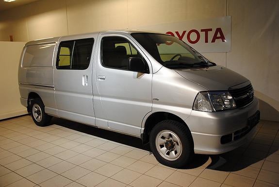 Toyota HiAce Lang 5-dørs varebil 3-seter 2.5 D-4D  4WD  2012, 49943 km, kr 225000,-