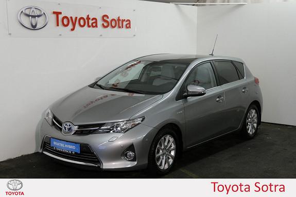Toyota Auris 1,8 Hybrid E-CVT Executive SKINN, PANORAMA, DAB+  2014, 42413 km, kr 219000,-