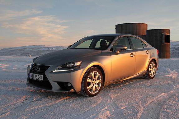 Lexus IS 300h Executive Plus Plus  2015, 11291 km, kr 429000,-