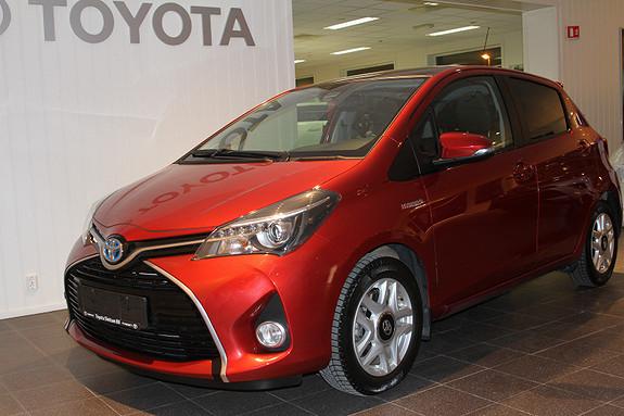Toyota Yaris 1,5 Hybrid Active e-CVT SKYVIEW, RYGGEKAMERA, NAVI  2015, 12500 km, kr 229000,-