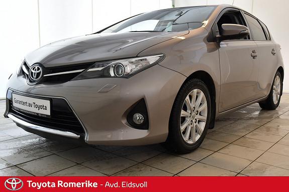 Toyota Auris 1,4 D-4D Style Xenon! Ny i Norge! Servicehefte! Navi!  2013, 58100 km, kr 189000,-