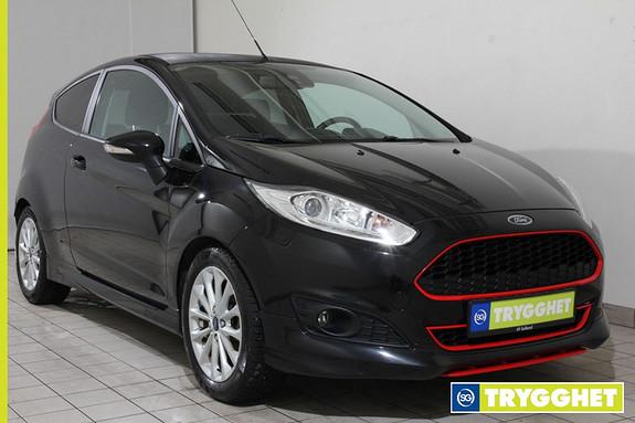 Ford Fiesta 1,0T 140hk Black edition KNALLTØFF EN EIERSBIL M KOMPLETT SERVICEHISTORIKK!!