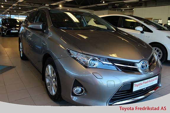 Toyota Auris 1,8 Hybrid E-CVT Active+ navigasjon, ryggekamera, DAB+,  2015, 45500 km, kr 239000,-