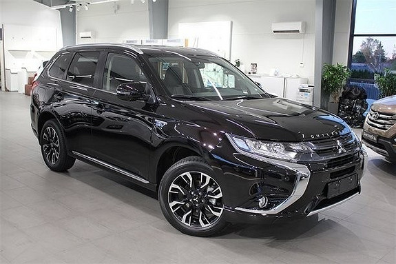 Mitsubishi Outlander Instyle+ ACC Hybrid Skinn Navi