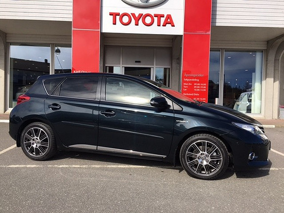Toyota Auris 1,8 Hybrid E-CVT Executive m/ LAV KM navi, ryggekamera  2014, 11915 km, kr 249000,-