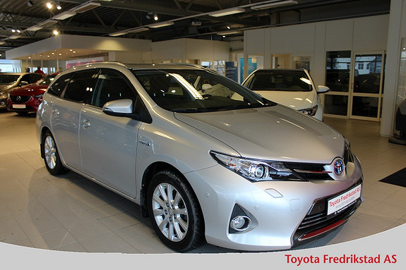 Toyota Auris Touring Sports 1,8 Hybrid Executive , navigasjon, delsk  2014, 24950 km, kr 239000,-