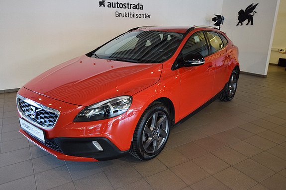 Volvo V40 Cross Country D2 Momentum DAB/NAVI/VOC++