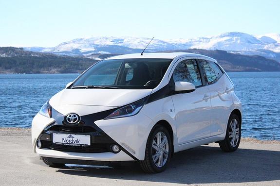 Toyota Aygo x-play 1,0  2015, 19500 km, kr 139000,-