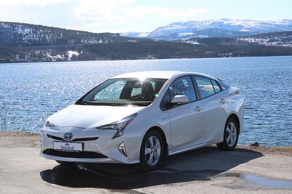 Toyota Prius 1,8 VVT-i Hybrid Active Style RYGGEKAMERA, SAFETY SENSE  2016, 12350 km, kr 309000,-