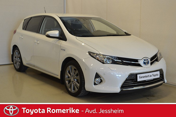 Toyota Auris 1,8 Hybrid E-CVT Executive Bixenon  2013, 44100 km, kr 209000,-