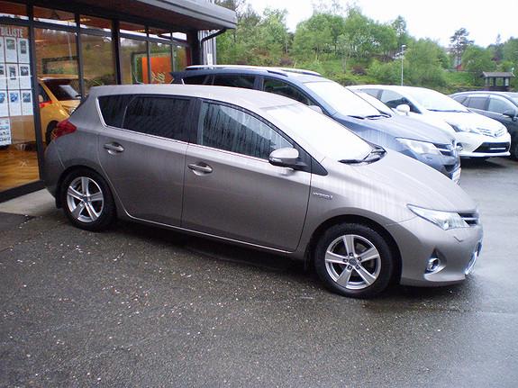 Toyota Auris Aktiv+ Hybrid  2015, 38000 km, kr 248064,-