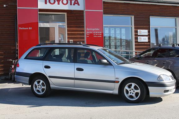 Toyota Avensis 2,0 D4-D Terra m/motorvarmer  2001, 239262 km, kr 35000,-