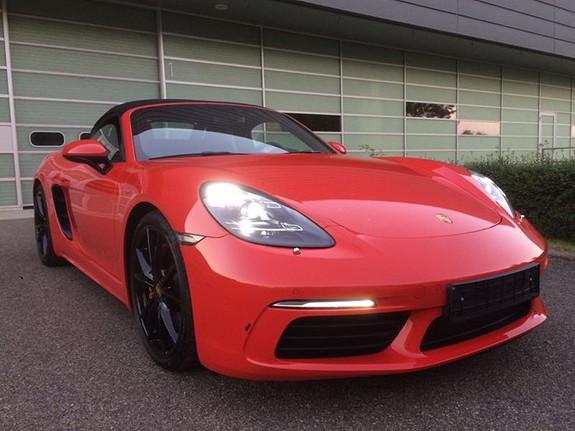 Porsche Boxster 9690,- pr. mnd. Innskudd 300000,-  2017, 8500 km, kr 9690,-