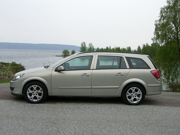 Opel Astra 1.7 CDTi 100HK KLIMA-1EIER(71år)-EUOKtilOKT.2019-DAMEKJ  2005, 205000 km, kr 35000,-