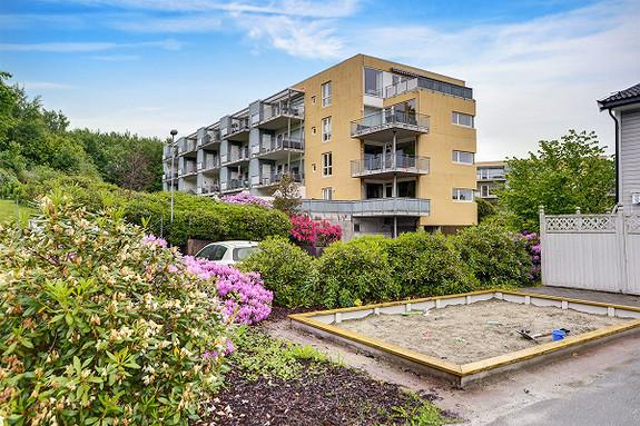 SØREIDE - Lys og trivelig 3-roms med balkong. Heis og garasjeplass - Meget rolig boområde -