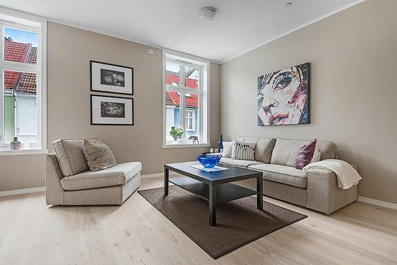 Sentrum - Stilfull og moderne 4-roms leilighet i nyrenovert bygg - felles bakgård med sykkelparkering
