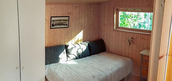 Innholdsrik hytte med sjøutsikt, nord på Kirkeøy, Hvaler