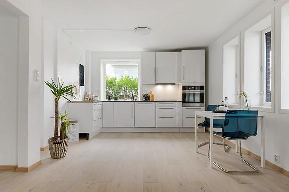 Kronstad - Sentrumsnær og pen 3-roms leilighet, nærhet til bybane, Haukeland sykehus, HiB m.m. Med altan!