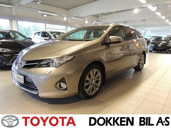 Toyota Auris 1,8 Hybrid E-CVT Executive  2014, 43585 km, kr 229000,-