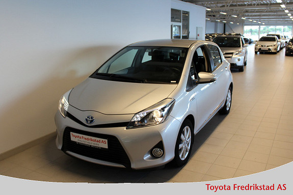Toyota Yaris 1,5 Hybrid Active  2012, 32100 km, kr 139000,-