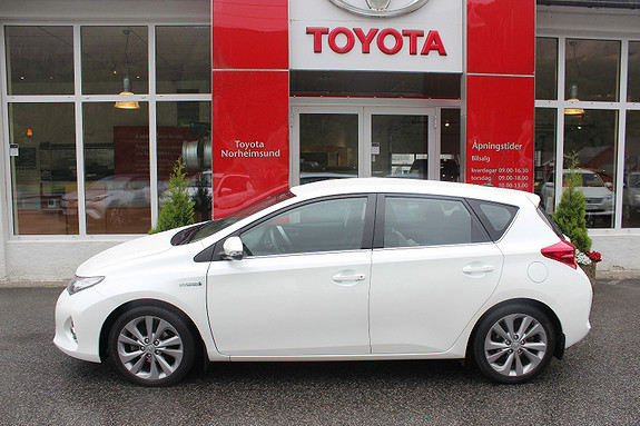 Toyota Auris 1.8 Hybrid Navi Go DAB+  2014, 31000 km, kr 199900,-