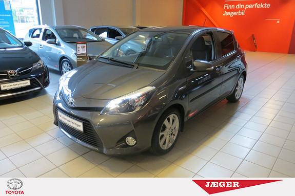 Toyota Yaris 1,5 Hybrid Style e-CVT M. Panoramaglasstak og DAB+  2014, 57000 km, kr 189000,-