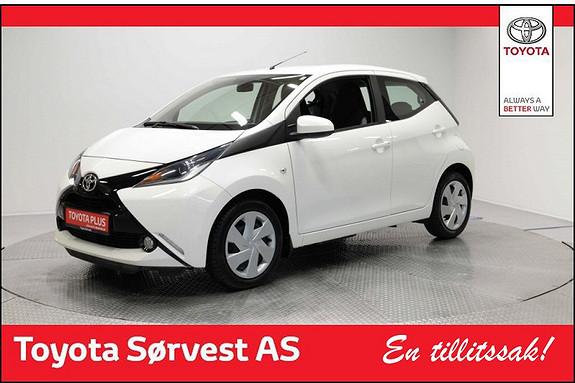 Toyota Aygo x-play 1,0 (Stilig og smart design)  2015, 31267 km, kr 139000,-