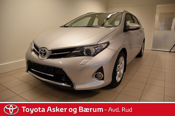 Toyota Auris 1,33 Dual VVT-i  Active Go navi  2013, 35700 km, kr 169000,-