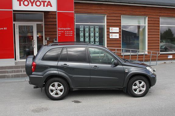 Toyota RAV4 D-4D 4wd DAB+/Motorvarmer/soltak/ekstra langlys  2005, 168000 km, kr 119000,-