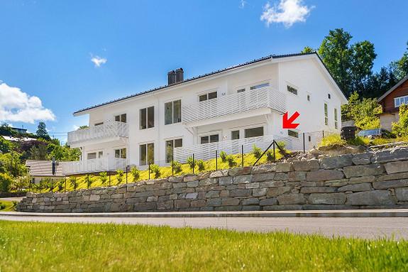Nesttun/Ulsmågskaret 5C. Nydelig leilighet.  Helt ny 4-roms eierleilighet med høy standard - 2 bad - Parkering i garasje - Lav dokumentavgift - Kort vei til bussholdeplass. Bør sees