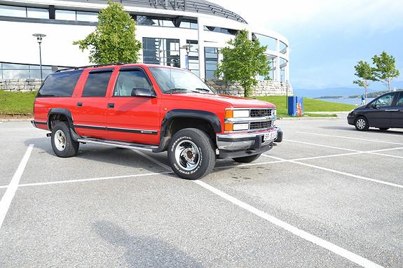Chevrolet Suburban 1995, 2251367 km, kr 61569,-
