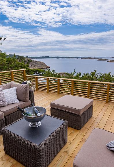 En perle av en strandeiendom, stor hytte med bryggeanlegg og havsutsikt - Store Granholmen/Skjærhalden