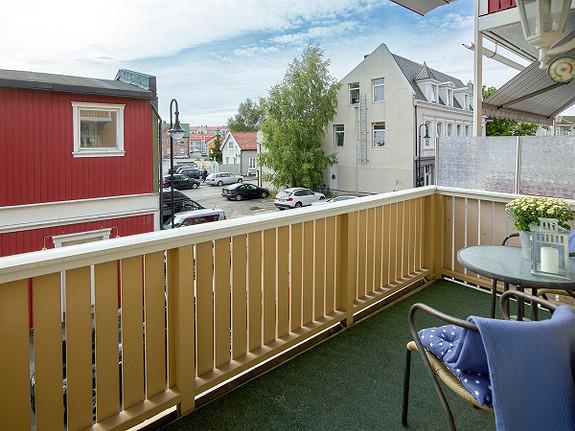 Selveierleilighet med heis, balkong og carport - Holmen
