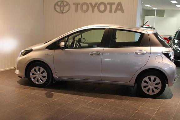 Toyota Yaris 1,5 Hybrid Active e-CVT MOTORVARMER/LAV KILOMETERSTAND  2014, 8203 km, kr 189000,-