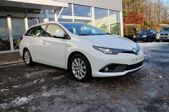 Toyota Auris 1,8 Hybrid E-CVT Active  2016, 46100 km, kr 249000,-