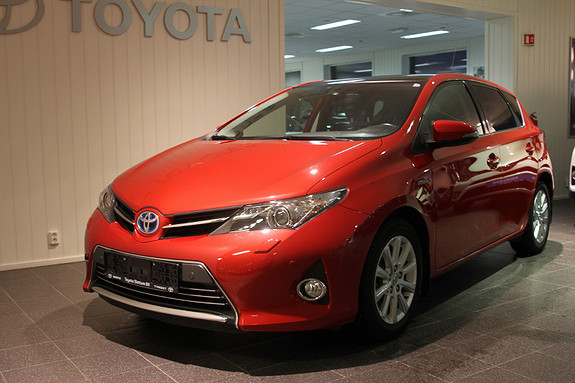 Toyota Auris 1,8 Hybrid E-CVT Executive HENGERFESTE/MOTORVARMER/DAB+  2014, 65900 km, kr 189000,-