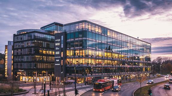Lokaler i moderne bygg rett ved Skøyen stasjon