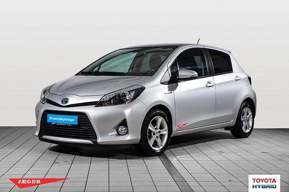 Toyota Yaris 1,5 Hybrid Style Glasstak, navigasjon og ryggekamera  2014, 35600 km, kr 170000,-