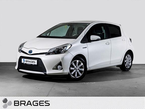 Toyota Yaris 1,5 Hybrid Style R.kam, Cruise, Delskinn, Regnsensor  2012, 32900 km, kr 135000,-