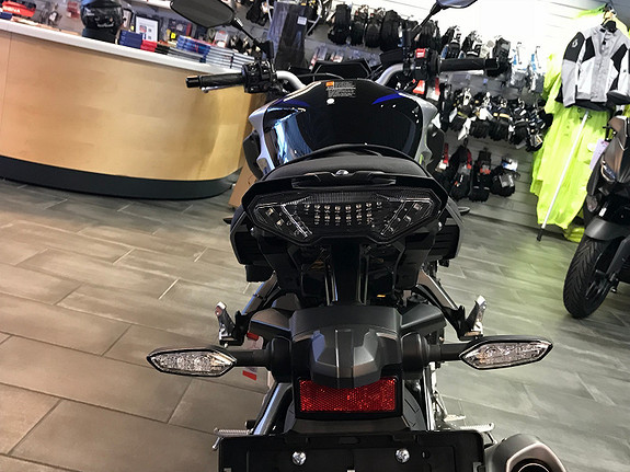 Bilbilde: Yamaha MT-10 SP - KAMPANJE M/ UTSTYR!