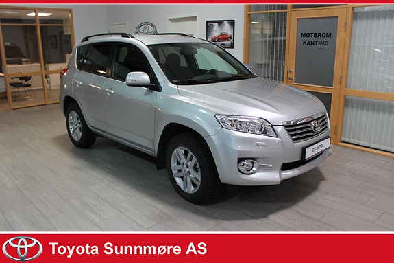Toyota RAV4 2,0 VVT-i Vanguard Exec.M-drive S **LAV KM**BENSIN***AU  2011, 66000 km, kr 215000,-
